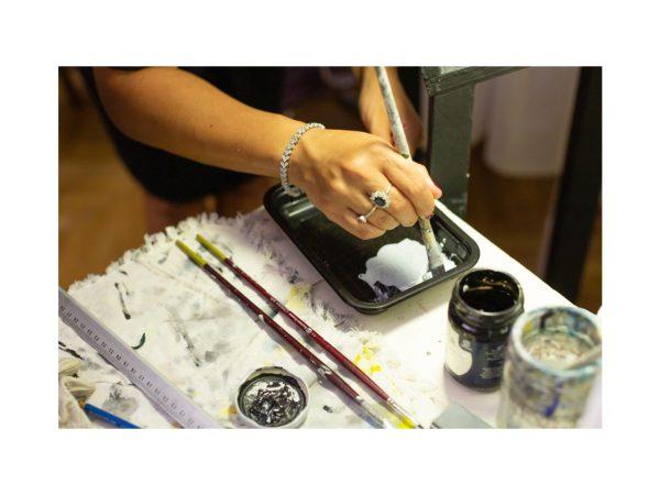 Pittura e tempo libero all'interno del laboratorio d'arte condotto da Barbara Stefani il 23 febbraio 2020 a Trieste
