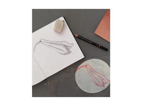 Scrittura e assemblage su tela nel laboratorio Dittico Floreale condotto da Barbara Stefani il 3 ottobre 2020 ad Aurisina Trieste